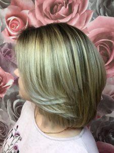 Стрижка волос средней длинны